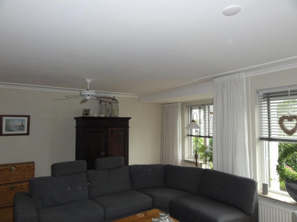 V-naden - glad pleisterplafond - plafondafwerking